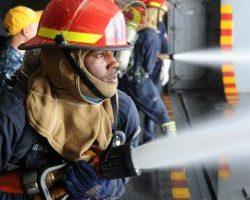در کشور های مختلف حقوق آتش نشانان چقدر است؟
