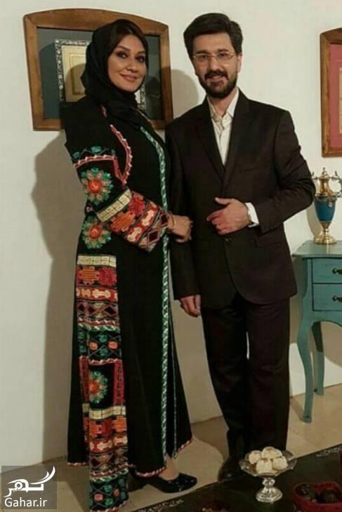 عکس امیرحسین مدرس در کنار همسرش در نمایشگاه