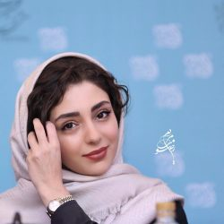 نیکی کریمی و هستی مهدوی در نشست خبری فیلم آذر + عکس