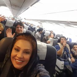 سلفی جالب نسرین مقانلو در هواپیما / عکس