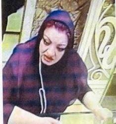 زنی که میلیونی طلا دزدی می کند + عکس