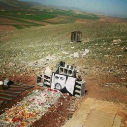 عکس سنگ قبر عارف لرستانی در روستای سیمینه