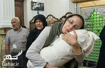 20394056 497200547300 فیلم لالایی خواندن مادر بنیتا روی جسم دخترش در مراسم خاکسپاری
