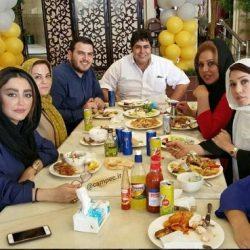 عکس دورهمی بازیگران در رستورانی در نجف