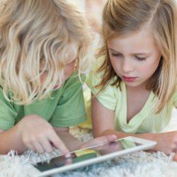 آیا می دانید اینترنت برای فرزندانتان چه خطراتی به دنبال دارد؟