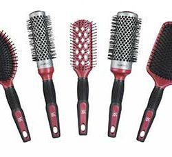 راهنمای انتخاب برس مو مناسب برای انواع موها