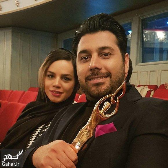 khajeamiri tandis عکس احسان خواجه امیری و همسرش پس از دریافت تندیس بهترین آلبوم