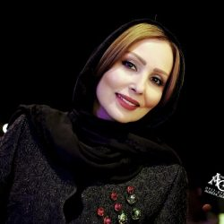 اعتراض تند پرستو صالحی به تی وی پلاس : نون در آوردن از تیتر کثیف تا کی؟