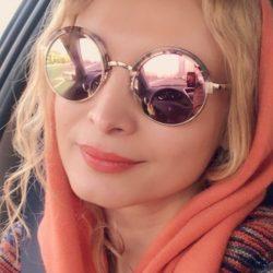 عکس تیپ عجیب خانم بازیگر با سگ خانگی اش!