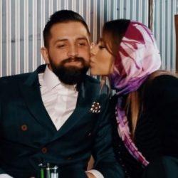 فیلم مصاحبه با محسن افشانی و همسرش / داخل آسانسور با هم آشنا شدیم!