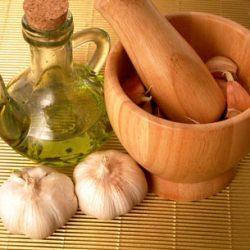 آموزش تهیه روغن سیر برای رشد مو