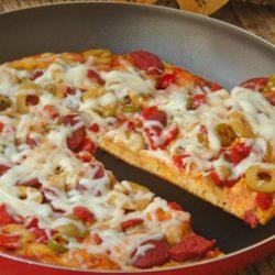 دستور تهیه پیتزا پپرونی بدون فر