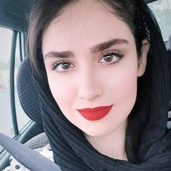 تیپ متفاوت هانیه غلامی در عروسی خاله اش / عکس
