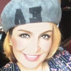 سلفی ماهچهره خلیلی با خواننده زن ایرانی