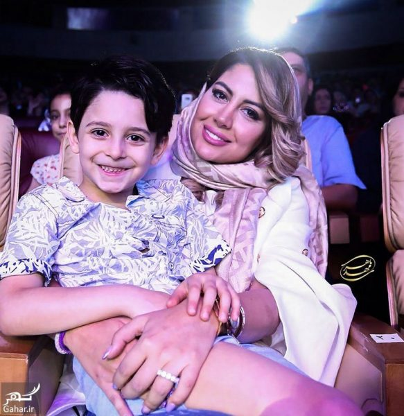 parya partovifard 4 e1532151574867 عکسهای جدید همسر و فرزند بابک جهانبخش در کنسرتش