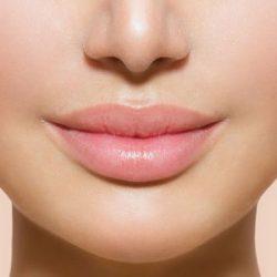 راز داشتن لب های زیبا چیست؟