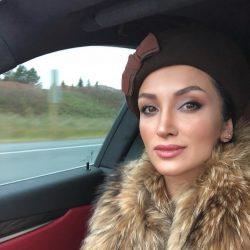 عکسهای جدید و زیبای روناک یونسی و همسرش در کانادا