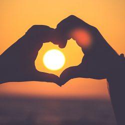 عشق واقعی چیست و چه ویژگی دارد؟