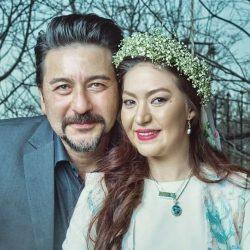 عکسهای دیدنی امیرحسین صدیق و همسرش با لباس محلی