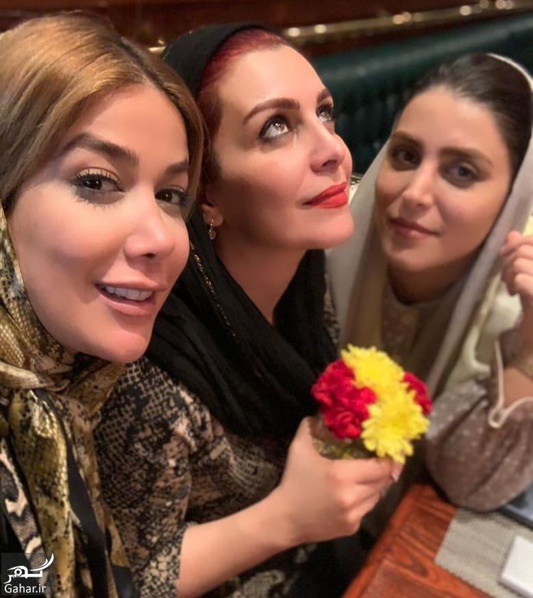 Mahchehreh Khalili سلفی ماهچهره خلیلی با خواننده زن ایرانی