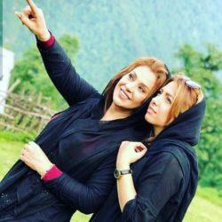 عکسهای نسرین مقانلو و خواهرش در تولد مادرشان