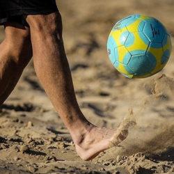 تاریخچه و قوانین فوتبال ساحلی