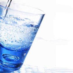 تفاوت آب آشامیدنی شهری با آب معدنی طبیعی و آب خالص