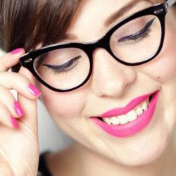 نکات و اصول آرایش افراد عینکی