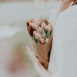 بهترین گل ها برای هدیه دادن و مناسبت ها کدامند؟