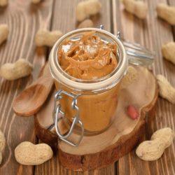 خواص کره بادام زمینی برای سلامت بدن