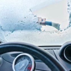 راه کارهایی برای جلوگیری از یخ زدگی شیشه ماشین