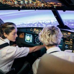 وظایف خلبان در پرواز
