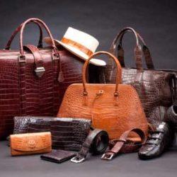 کیف چرم در پوشش زنان