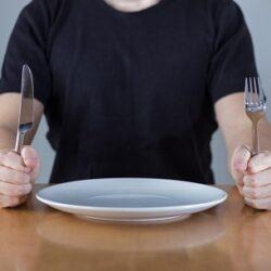 کدام مواد غذایی را با معده خالی مصرف نکنیم