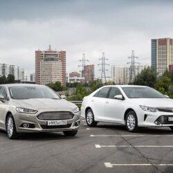 مقایسه خودروهای رنو تالیسمان و تویوتا کمری