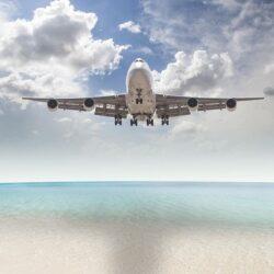 زیباترین فرودگاه در وسط دریا / تصاویر