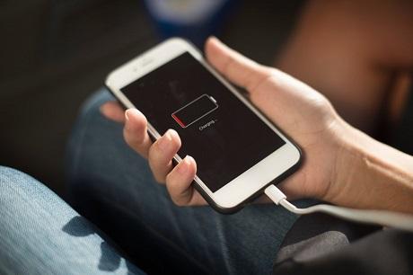 ۴ دلیل دیر شارژ شدن گوشی موبایل, جدید 1400 -گهر