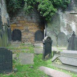 فیلم | تشخیص روح در قبرستان توسط هوش مصنوعی