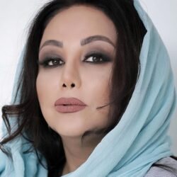 بهنوش بختیاری در ماشین لاکچری اش / عکس
