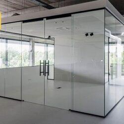 پارتیشن شیشه ای، جذابیت بالا همراه با تغییرات طراحی و دکوراسیون با کمترین هزینه, جدید 99 -گهر